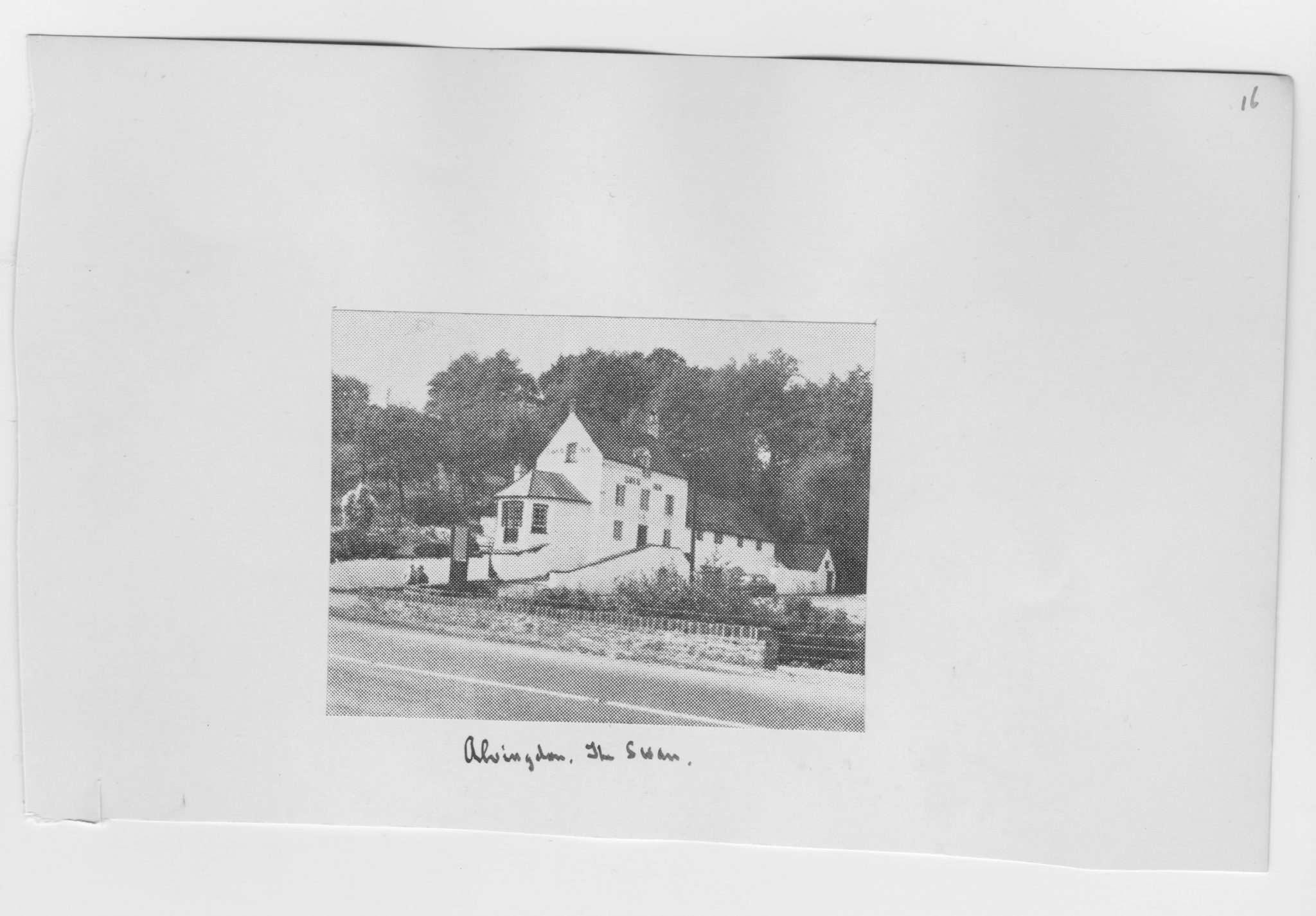 Photograph of The Swan pub Abingdon circa 1956
